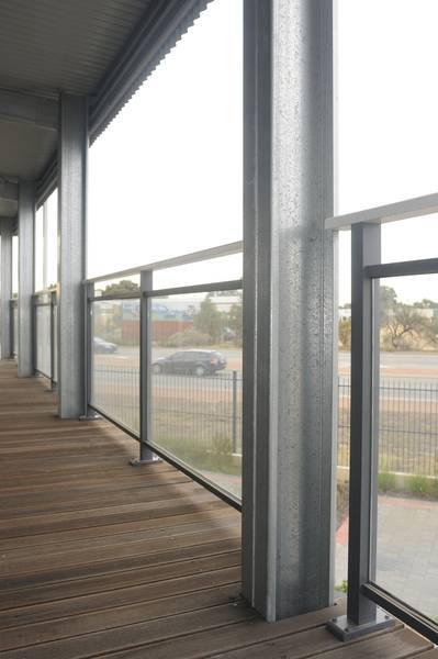 Glazed balustrade systems