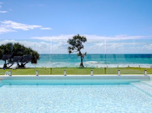 Glass Pool Fence Zuvella AMIA Coffs Harbour 2