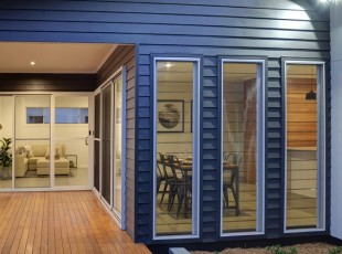 Bentley Homes Sapphire Beach Sliding Doors & Louvre Windows